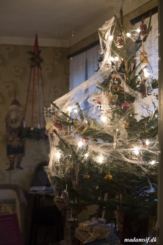 Juletræ anno 1929, en del af Jul i Den Gamle By, Århus.