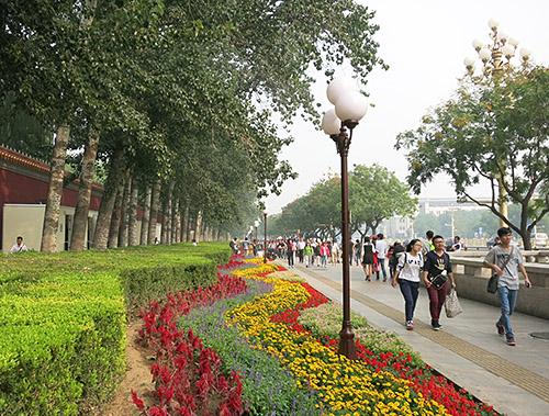 Chang'an Avenue, der løber mellem Den Forbudte By og Den Himmelske Freds Plads