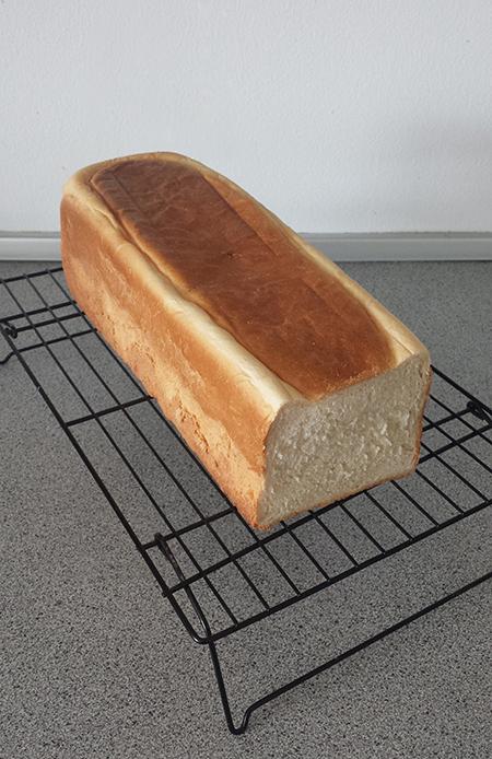 Sandwichbrød med røven skåret af