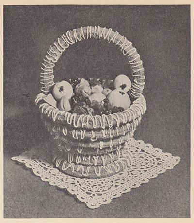 """Kransekagekurv, 1933. Kilde: Ingerid Askevold """"Kaker""""."""