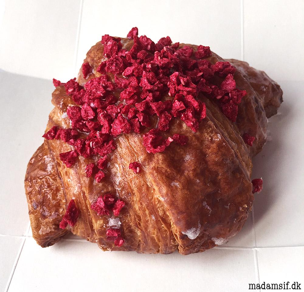 Pierre Hermé - Croissant Ispahan