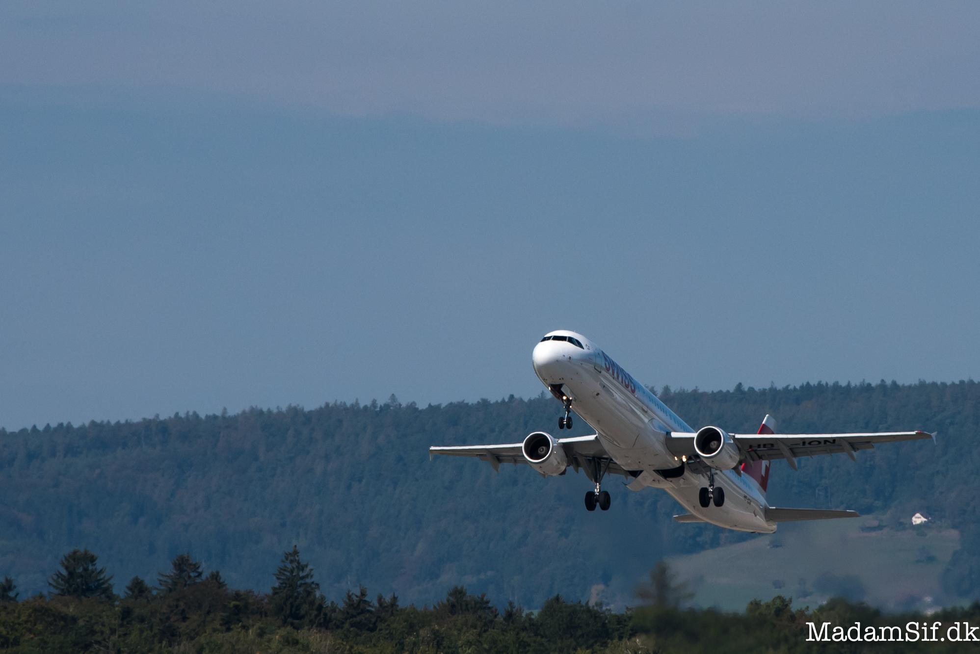 HB-ION fra Swiss. Et artigt fly.