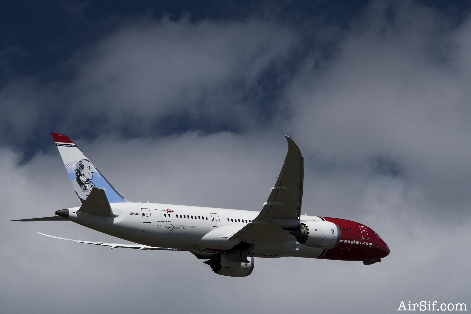 En af Norwegians smukke Dreamlinere. Som jeg skal flyve hjem på. Woh!
