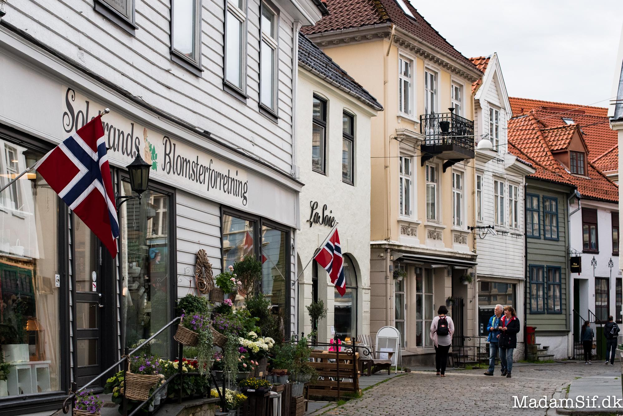 Hollendergaten, en af de mange småbitte gader med træhuse.